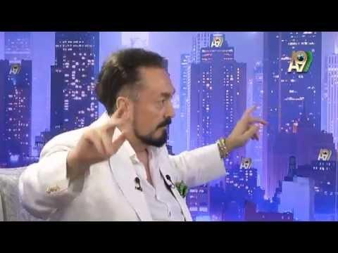 Adnan Oktar canlı yayında göbek attı
