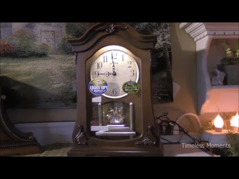 RHYTHM WSM Luminous Queen Mantel Clock - CRH227UR06 (リズム鳴る置時計)