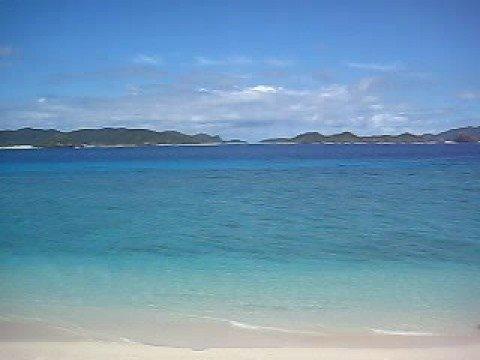阿嘉島のニシ浜をデッキから一望