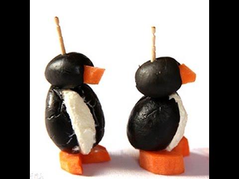 Antipasti Di Natale Pinguini Con Olive E Formaggio.Come Fare Dei Pinguini Di Olive Videoricette Di Aperitivi Youtube