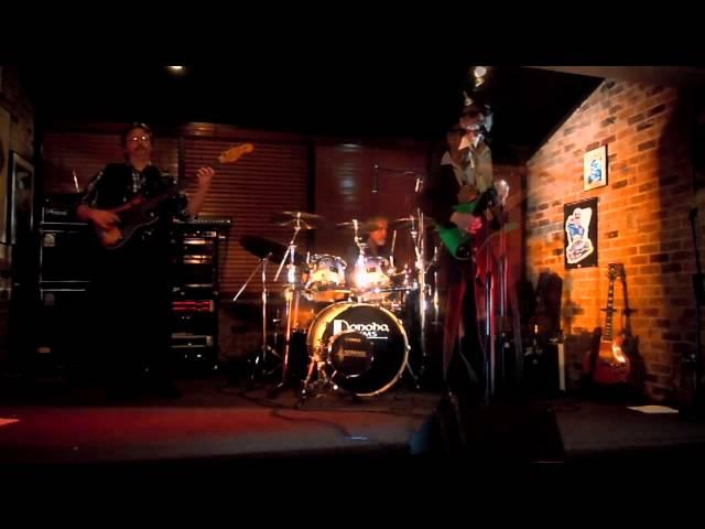 Blue fever Trio