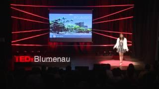 Como compartilhar histórias transforma cidades | Brenda Maia | TEDxBlumenau