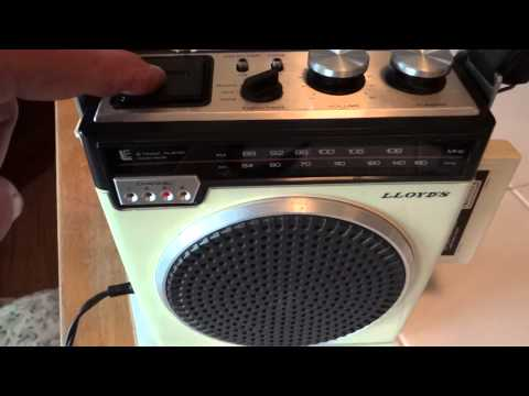 Demo of Vintage 1970s LLOYDS Portable 8-track player & Radio Boombox