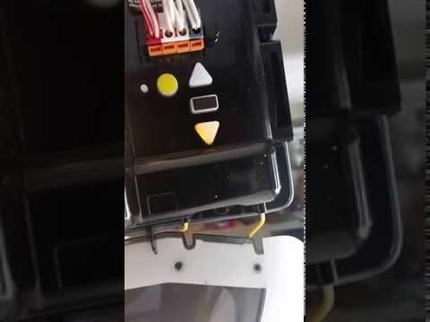 How To Program Your Chamberlain Garage Door Opener. Super Easy!