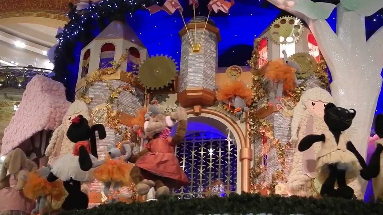 La d co de no l de les vitrines des galeries lafayette et grand sapin christmas 2013 paris a - Vitrine noel galerie lafayette ...