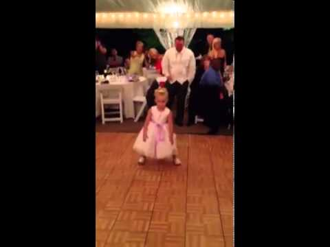 Little Girl Dancing At Wedding Goes Viral MUST WATCH