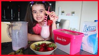 Rüya Çilekli ve Muzlu  Milkshake Yaptı l Rüya Made Milkshake l Funny Kids Video