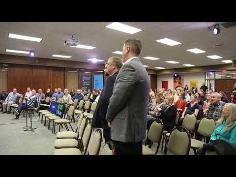 TLG Peterbilt Presents Donation to Convoy of Hope
