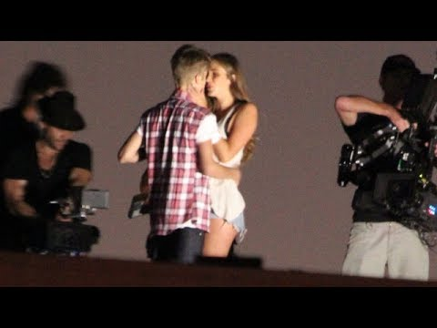 Justin Bieber Makes Out With A Hot Girl On Set! [2012]