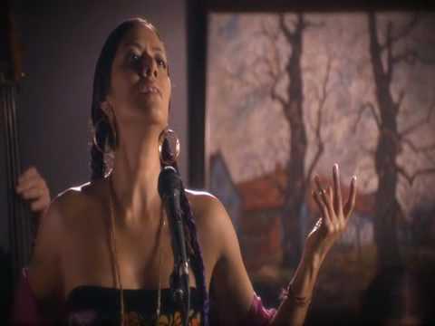 Lila DOWNS: 'Naila'   ensayo  DESEO la película