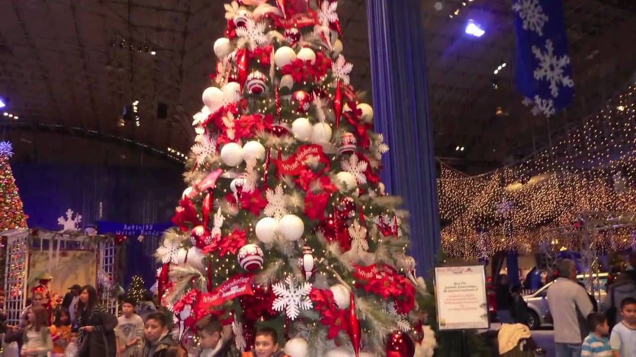 Navy Pier Chicago At Christmas