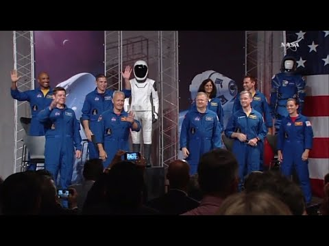 NASA announces astronauts for SpaceX, Boeing flights
