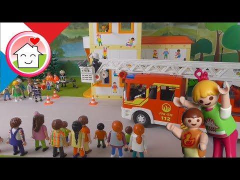 Playmobil pompiers Exercice d´alerte d´incendie à la maternelle - La famille Hauser