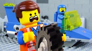 LEGO Movie Brick Building STOP MOTION LEGO Emmet vs Benny Vehicles | Billy Bricks Compilations