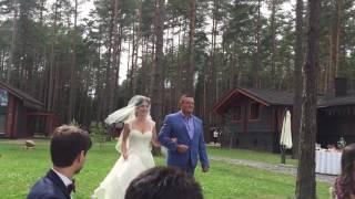 Выход невесты с отцом