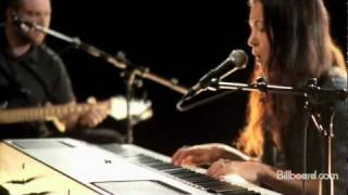 "Vanessa Carlton - ""Carousel"" LIVE"