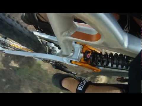 FOX VAN RC in action - Bike shock cam - Los Pinos downhill track - León