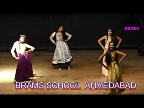 MAINE PAYAL HAI CHHANKAI - Live Stage Dance Performance