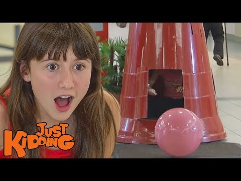 Little Girl Lucks Into The World's Largest Gumball