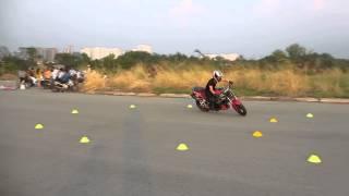 Suzuki SV650 Full-lock Practice