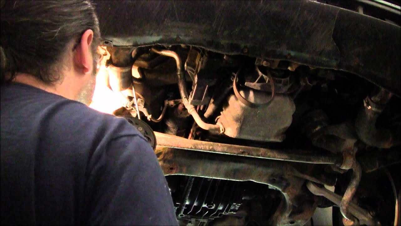 Diagnosing A Bad Starter Motor On A Audi A4 Quattro.wmv