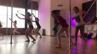 POLE KIDS - @DanceDistrict_