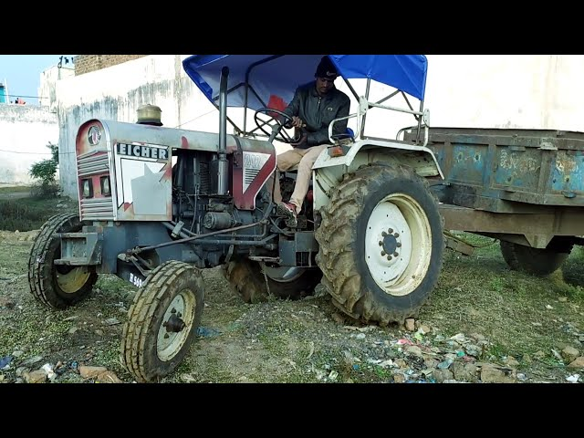 Eicher 242 Tractor with Full Loaded Trolley of 2000 Brick's Pulling Very Easily