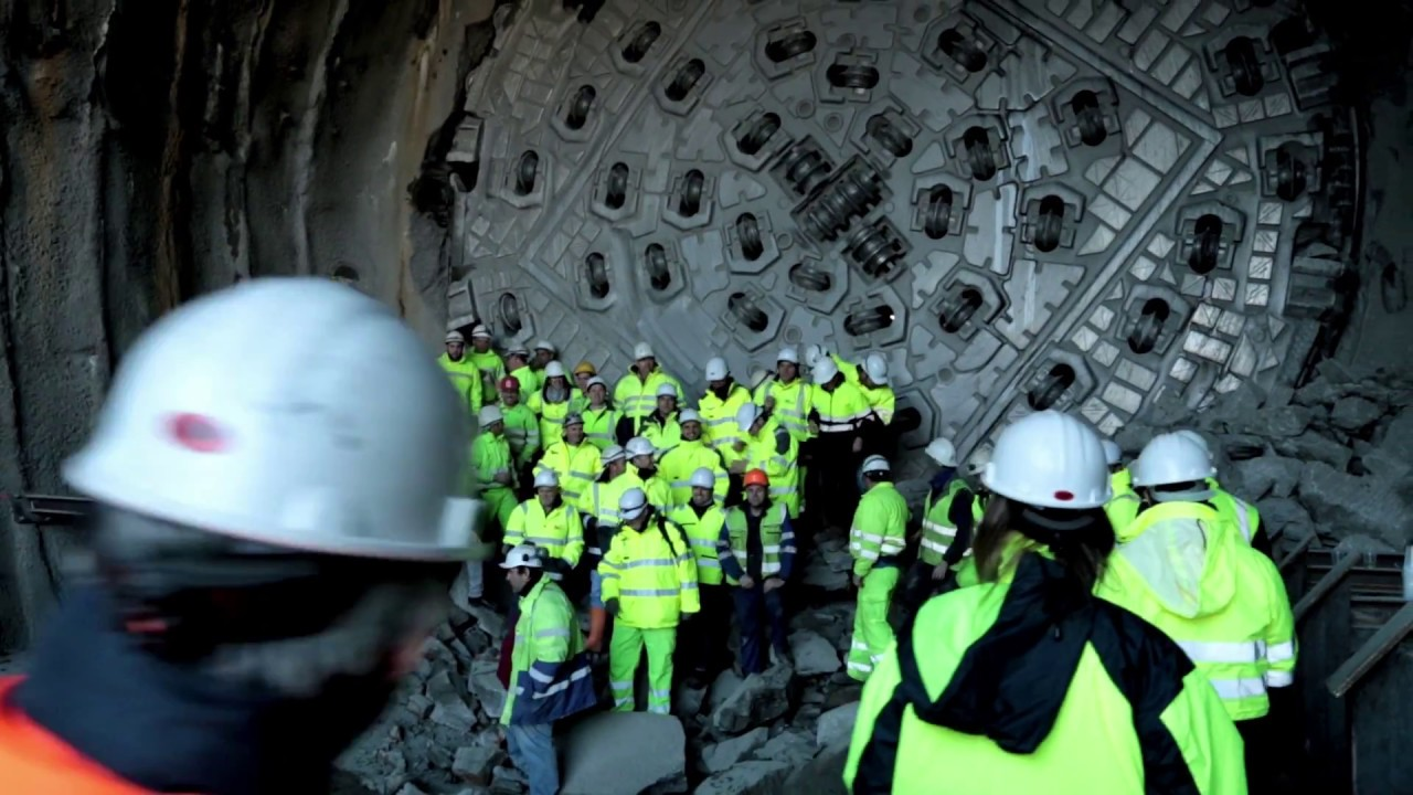 ACCIONA Construction finishes drilling the Bolaños Tunnels in Spain