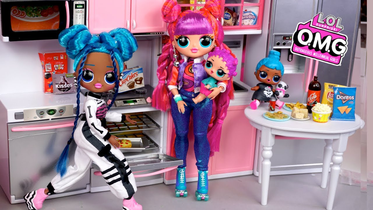 LOL OMG Doll Family Slumber Party with Little Sisters - Titi Toys Story