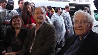 EXCLUSIVE: Noam Chomsky visits Lula in prison in Curitiba - Sept 20