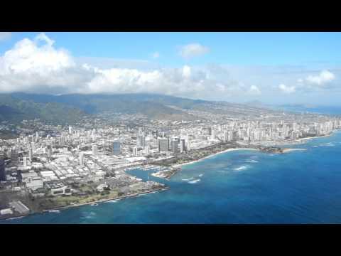 HAWAII - PLANE TAKEOFF from HONOLULU AIRPORT, OAHU
