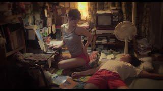 『百円の恋』『嘘八百』などの脚本家・足立紳が、自身の小説を映画化したファミリーコメディー。売れない脚本家が冷め切った妻との仲を改善しようと奮闘する。夫婦を『アヒル ...