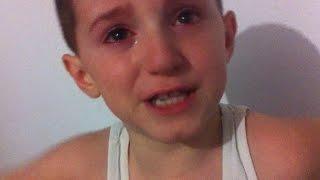 Repeat youtube video Endriti 6 vjeçar qan, fyen Messi-n & hedhë fanelën e tij pas humbjes në finale FIFA 2014
