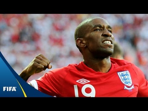 Defoe strike sends England through