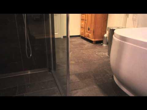 Leisteen Tegels Badkamer : Noorse leisteen in een badkamer van den heuvel & van duuren