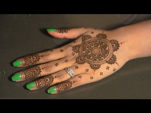 Eid Mehendi : Circular/Round Traditional Indian/Pakistani Henna Mehendi Design