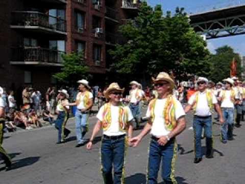 Club Bolo Danse Country Montréal - Défilé de la fierté 2009 - Coconut tree