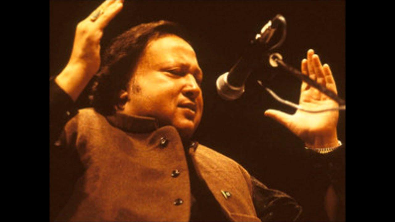 Ustad Nusrat Fateh Ali Khan - Dost kya khoob wafaon ka Sila Dete Hain ...