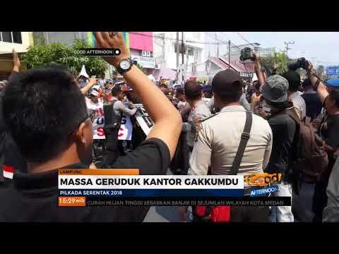Pendukung Gabungan Paslon 1,2, Dan 4 Pilgub Lampung Berunjuk Rasa Atas Kasus Dugaan Politik Uang