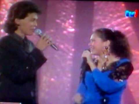 Jamal Abdillah ft. Ogy - Sandarkan Pada Kenangan @ HMI 1989