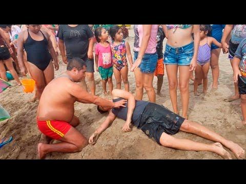 Huacho: el valeroso salvavidas que  rescata a bañistas en playa Chica