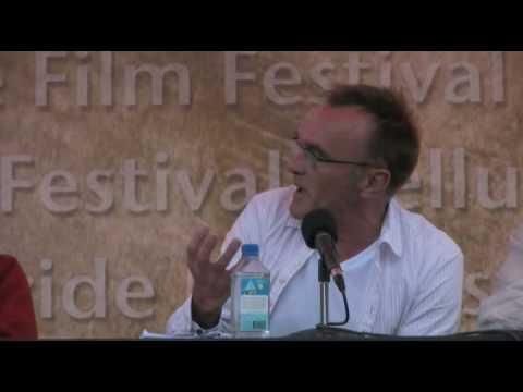 One of Danny Boyle's first Slumdog interviews!