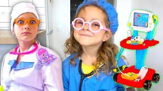 Лиза хочет как Ева играть с куклами и быть доктором
