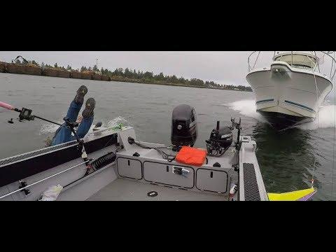 Идиоты за Рулем Моторных Лодок! Пьяные рыбаки на рыбалке ! Жесть на рыбалке