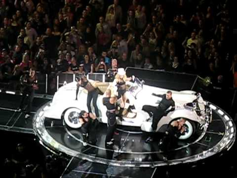 Madonna - Sticky And Sweet World Tour - Beat goes On