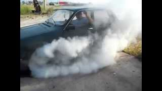 Gambar cover Burnout with a 45-year-old Romanian car