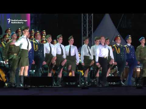 Red Army Choir Plays To Thousands In Belgrade