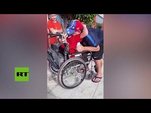 Un niño sin piernas cumple su sueño y entrena con Maradona