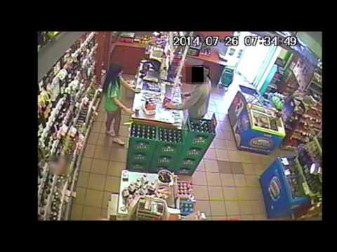 Szczecinek - kradzież w sklepie - nagranie z monitoringu – kopia