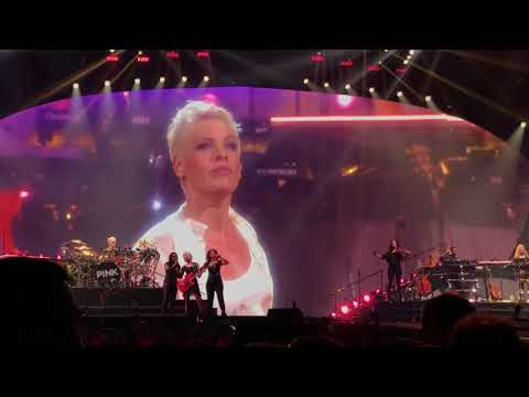 Pink - Perfect - P!NK Beautiful Trauma Tour - Indianapolis March 17, 2018